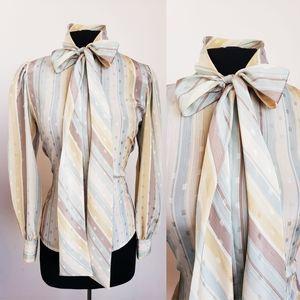 Vintage pussbow blouse